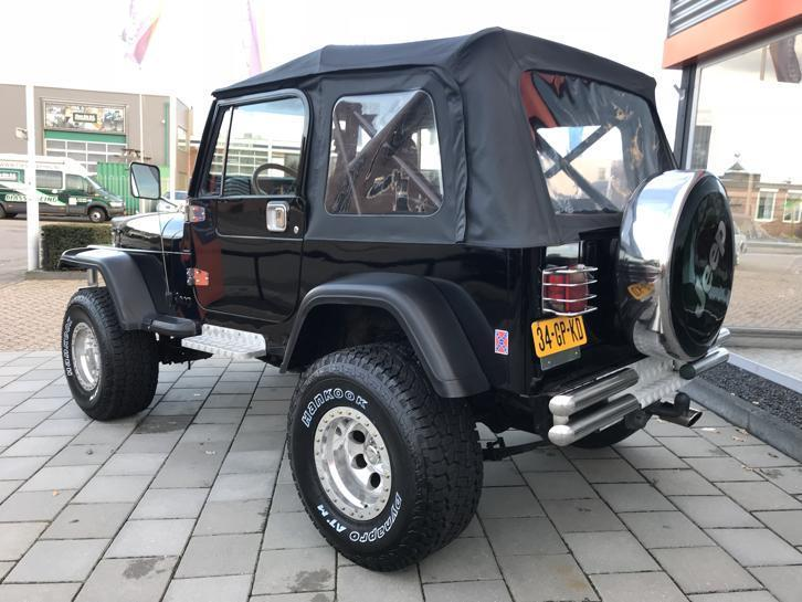 Jeep YJ.jpg