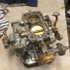 Onderzijde carburateur