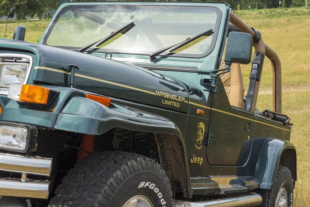 Mohawk-1-8.thumb.jpg.8fbaaa55b706aee42002895d499e6849.jpg